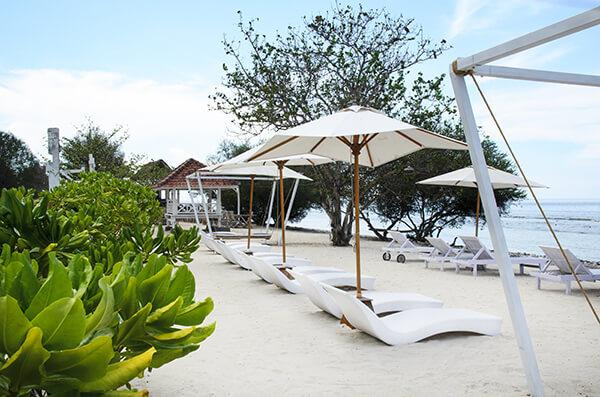 Tropical sandy beach @Gili T