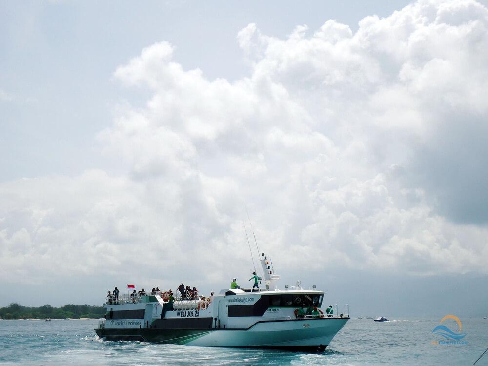 eka jaya fast boat